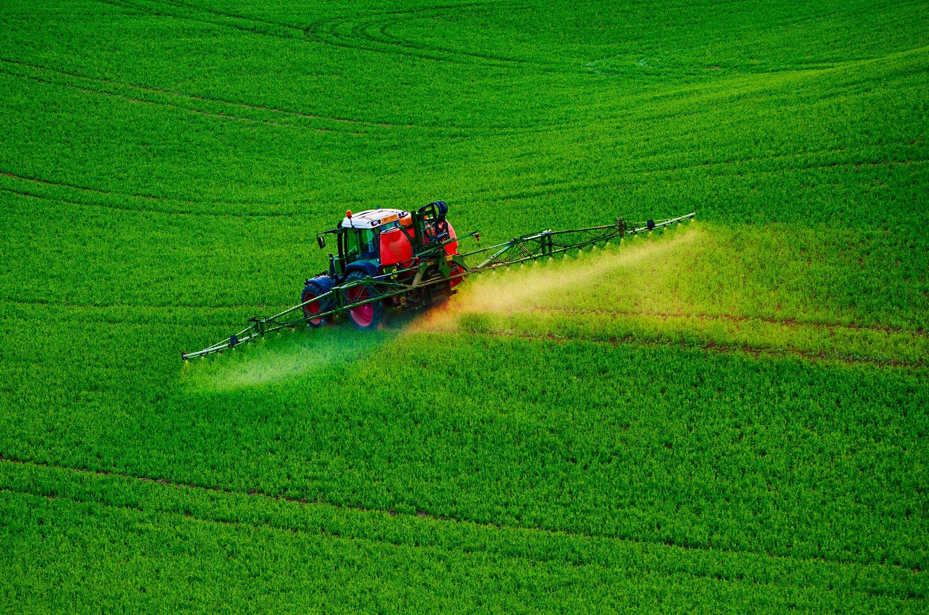 Toma medidas para prevenir riesgos laborales en tu actividad agrícola